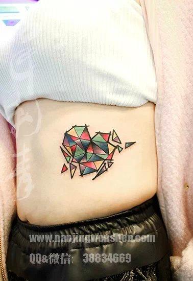 破碎的心,彩色遮盖胎记,南京纹身名匠刺青小白作品