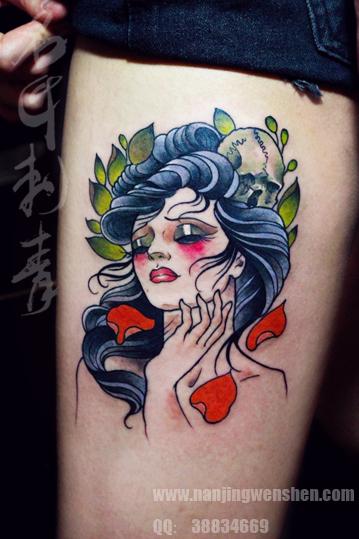 大腿美女纹身