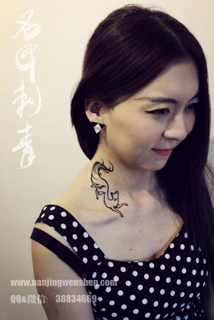 狐狸纹身,脖子纹身
